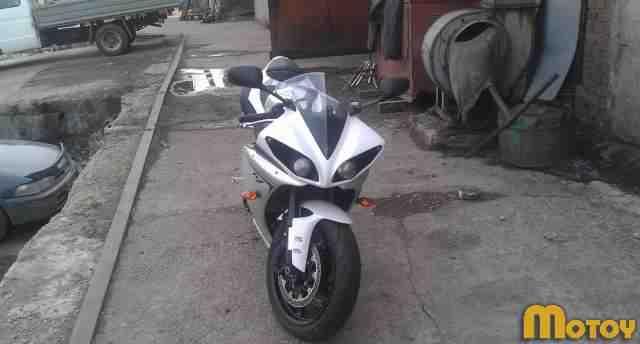 Мотоцикл Ямаха YZF-R1 2011