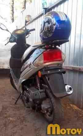 Продам скутер на ходу с документами
