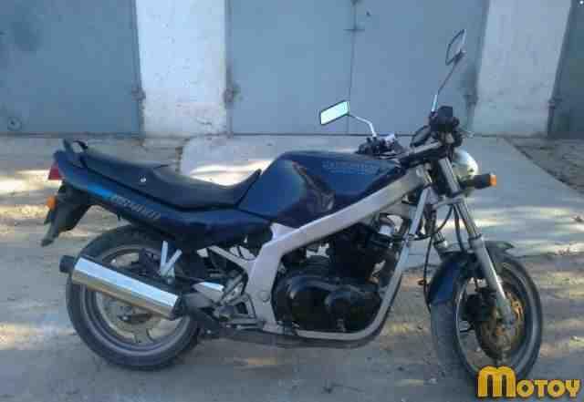 Мотоцикл в хорошем состоянии судзуки GS400