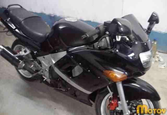 Кавасаки zzr400