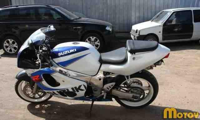 Судзуки GSX R600 98 г. в