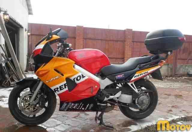 Хонда VFR 800 F1