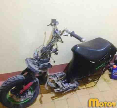 Скутер под разбор, на запчасти Сузуки Сепия ZZ