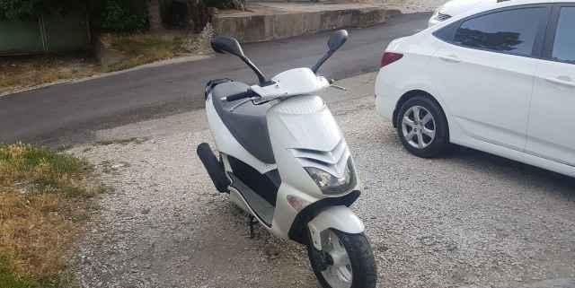 Продам скутер Априлия