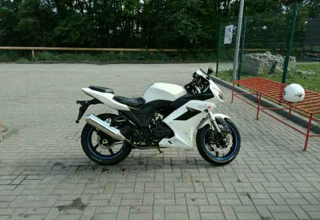 Продам мотоцикл GXR-250