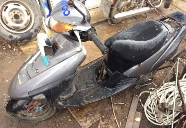 Скутер Suzuki Сепия zz