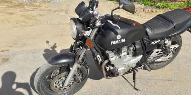 Ямаха XJR 400