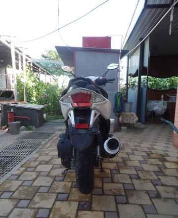 Скутер Омакс 125