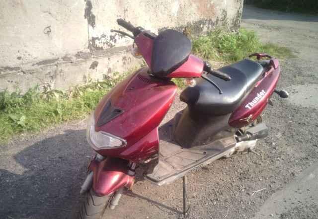 Продам скутер Тундер