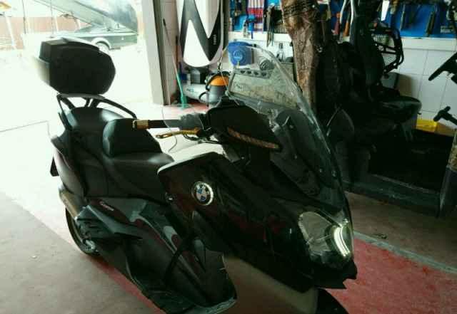 Макси скутер БМВ C650GT