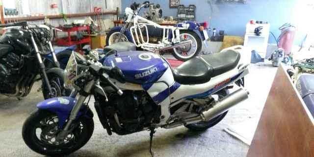 Suzuki GSX1100R