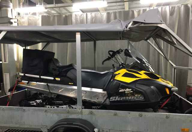 Продам снегоход BRP Ski-Doo Скандик 550