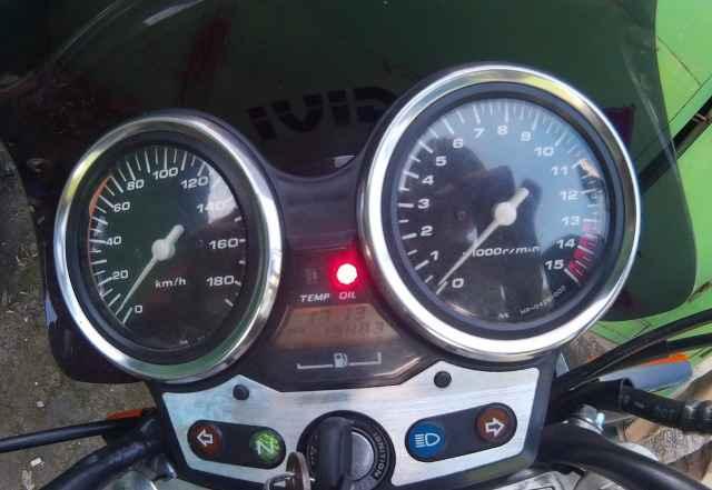Хонда CB400 Втек 1