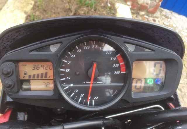 Продам Suzuki gsr 600 2009