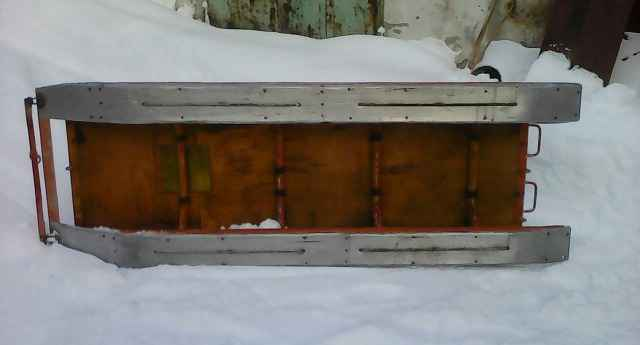 Прицеп-сани для снегохода