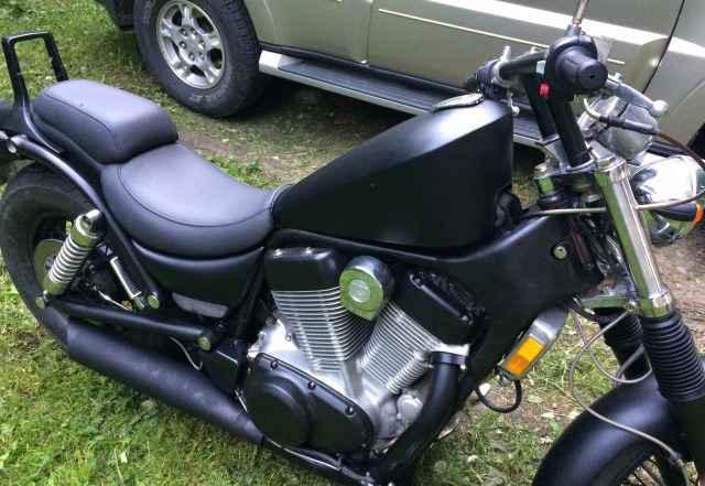 Продам мотоцикл Suzuki Интрудер 1.4 1991 год