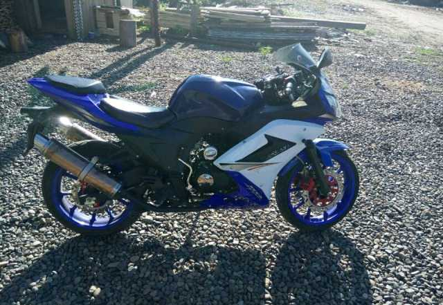 Продам спортивный мотоцикл Suzuki axx-Р 250