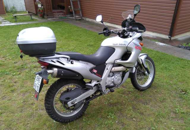 Мотоцикл Априлия Пегасо 650