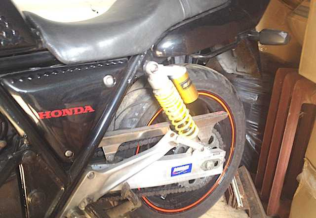 Хонда CB400SF