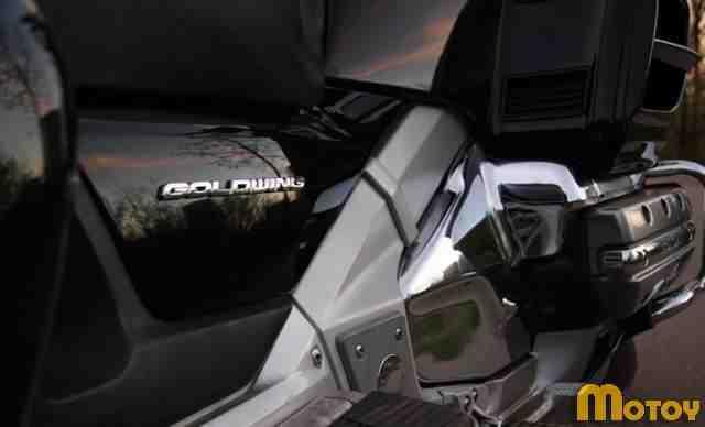 Хонда GL1800 Голд Винг