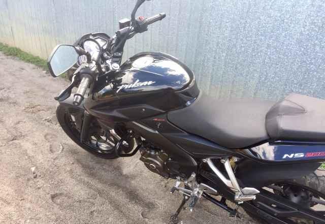 Кавасаки Пульсар Bajaj NS 200