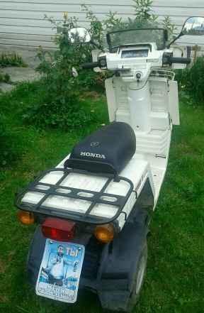 Продам трехколесный скутер Хонда