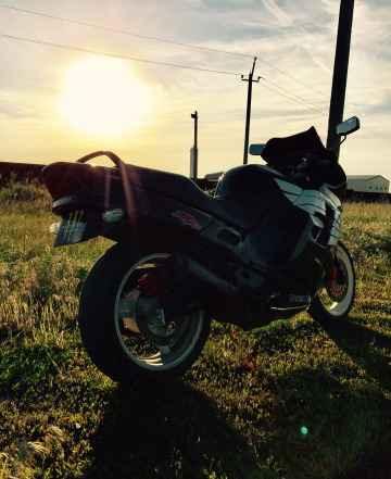 Хонда CBR1000F3