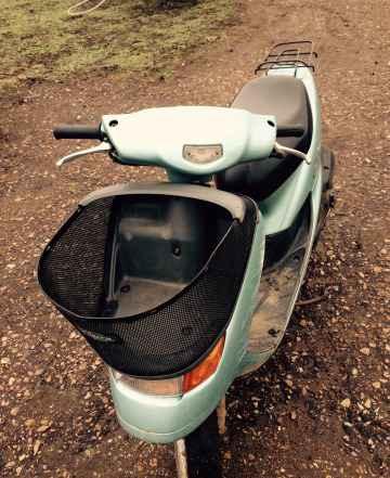 Хонда Дио Cesta с корзиной и Suzuki Сепия ZZ