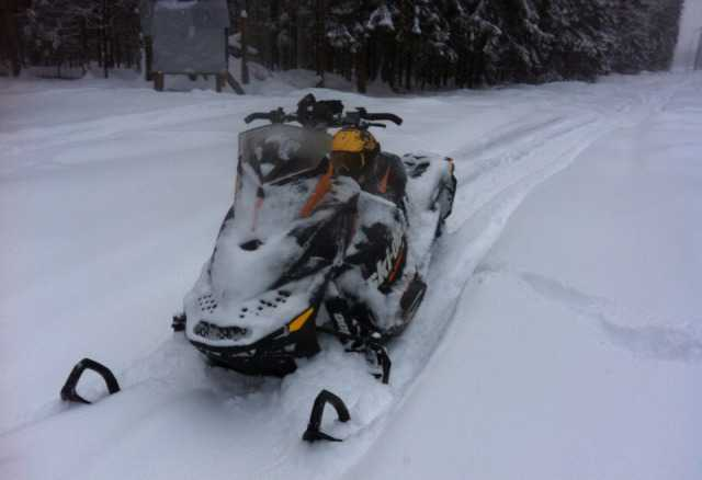 Снегоход Ski-Doo Саммит 600 E-Tek