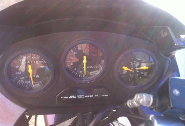 Suzuki GSX 400f